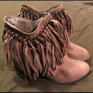 Women's size 8 Not Rated Fringe Heeled Booties